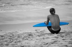 Persona que practica surf pacífica Fotos de archivo libres de regalías