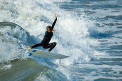 Persona que practica surf pacífica Fotos de archivo