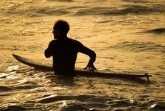 Persona que practica surf pacífica Imágenes de archivo libres de regalías