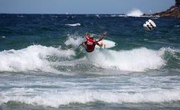 Persona que practica surf profesional Adrian Buchan Imagenes de archivo