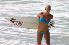 Persona que practica surf profesional Bethany Hamilton Fotografía de archivo