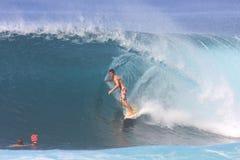 Persona que practica surf trasera 2008 Imagenes de archivo
