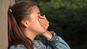 Persona subrayada muchacha adolescente confusa Imagen de archivo libre de regalías