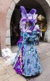 Persona travestita - carnevale veneziano 2013 di Annecy Immagine Stock