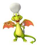 Personagem de banda desenhada bonito do dragão com o chapéu da pizza e do cozinheiro chefe Foto de Stock Royalty Free