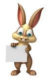 Personagem de banda desenhada do coelho do divertimento com placa branca Imagens de Stock Royalty Free