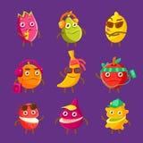 Personaggi dei cartoni animati freschi della frutta tropicale sull'insieme di vacanza degli autoadesivi variopinti con i prodotti illustrazione vettoriale