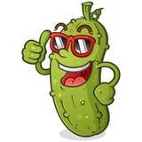 Personaggio dei cartoni animati del sottaceto con gli occhiali da sole d'uso di atteggiamento royalty illustrazione gratis