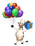 Personaggio dei cartoni animati della mucca di divertimento con il contenitore ed i palloni di regalo Fotografie Stock