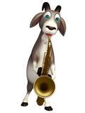 Personaggio dei cartoni animati sveglio della capra con il sassofono Fotografia Stock