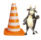 Personaje de dibujos animados de Bull con el cono de la construcción Imagen de archivo