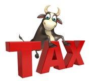 Personaje de dibujos animados de Bull con la muestra del impuesto Fotos de archivo libres de regalías