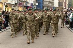 Personal a partir de marchar de la brigada de comando el 3 Fotos de archivo