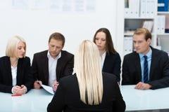 Personalteam, das ein Interview leitet Stockfotografie