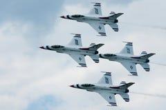 Personas aeroacrobacias de los Thunderbirds imagen de archivo