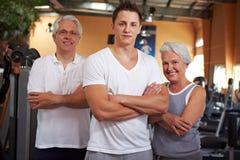 Personas de la aptitud en gimnasia Foto de archivo libre de regalías