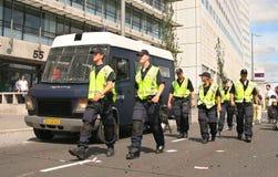 Personas de la policía en patrulla Fotografía de archivo
