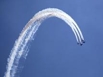 Personas de las acrobacias aéreas de Yaks Foto de archivo
