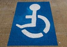 Personas discapacitadas del estacionamiento de la señal Foto de archivo libre de regalías