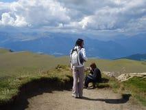 Personas en la montaña Foto de archivo libre de regalías