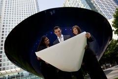 Personas interraciales de la planificación de empresas en el ci de A Imagen de archivo