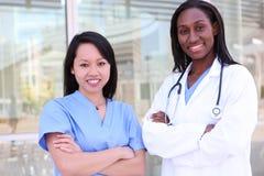 Personas médicas de las mujeres Fotografía de archivo libre de regalías