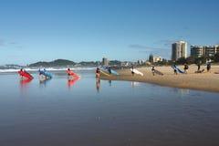 Personas que practica surf de Australia Fotografía de archivo libre de regalías