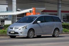 Personbil Mitsubishi utrymmevagn Arkivbild