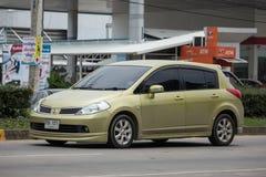 Personbil Nissan Tiida Royaltyfri Foto