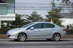 Personbil Peugeot 408 Royaltyfri Fotografi