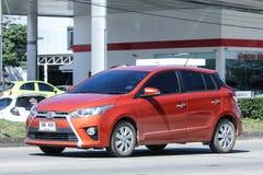 Personbil Toyota Yaris Arkivbild