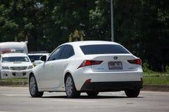 Personbilen Lexus ÄR blanden 300H Royaltyfri Fotografi