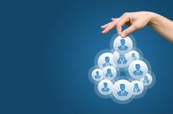 Personeel en collectief hiërarchieconcept - recruiter volledig team door één leiderspersoon royalty-vrije stock foto's