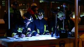 Personeel van de Russische reddingsdienst op het bevelpunt Royalty-vrije Stock Afbeeldingen