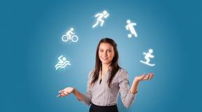 Personen jonglerar med hobbybegrepp arkivbild