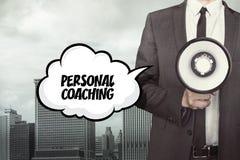 Personlig coachningtext på anförandebubbla med affärsmannen royaltyfria foton