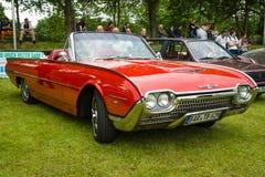 Personlig lyxig bil Ford Thunderbird Arkivfoton