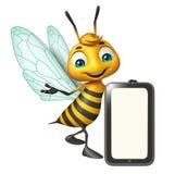 personnage de dessin animé d'abeille d'amusement avec le mobile Photos libres de droits