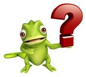 Personnage de dessin animé de caméléon avec le signe de point d'interrogation Photo stock
