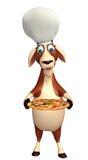 Personnage de dessin animé de chèvre avec le chapeau et la pizza de chef Photo stock
