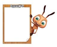 Personnage de dessin animé de fourmi avec la protection d'examen Photographie stock