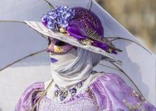 Personne déguisée - carnaval vénitien 2013 d'Annecy Image libre de droits