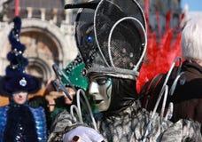 Personne dans le costume et masque au carnaval à Venise, Italie Photographie stock