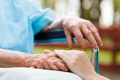 Personnes âgées de soin Photo libre de droits