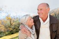 Personnes aînées en horaire d'hiver Photographie stock libre de droits