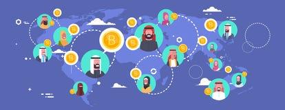 Personnes arabes extrayant Bitcoins au-dessus concept de devise de Digital de carte du monde de crypto de réseau moderne d'argent Images stock