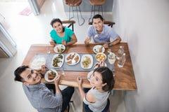 Personnes asiatiques prenant le déjeuner photo stock