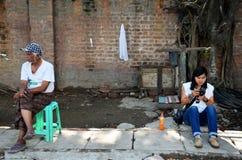 Personnes birmannes et femmes thaïlandaises Image libre de droits