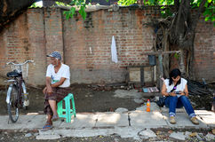 Personnes birmannes et femmes thaïlandaises Photos stock
