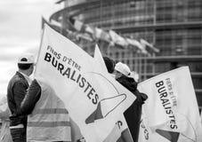 Personnes de buralistes de buralistes protestant le Parlement européen franc Photo libre de droits